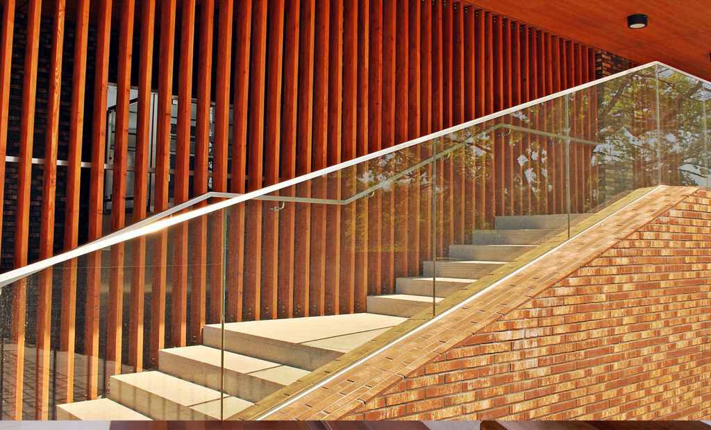 Balustrades with glass on stairs